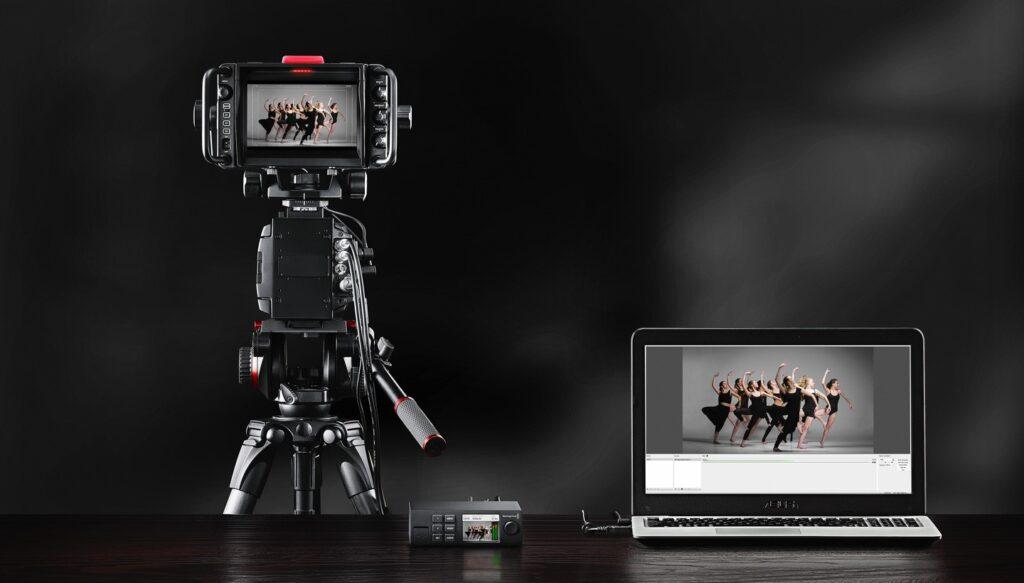 4o photonet special day comart blackmagic web presenter